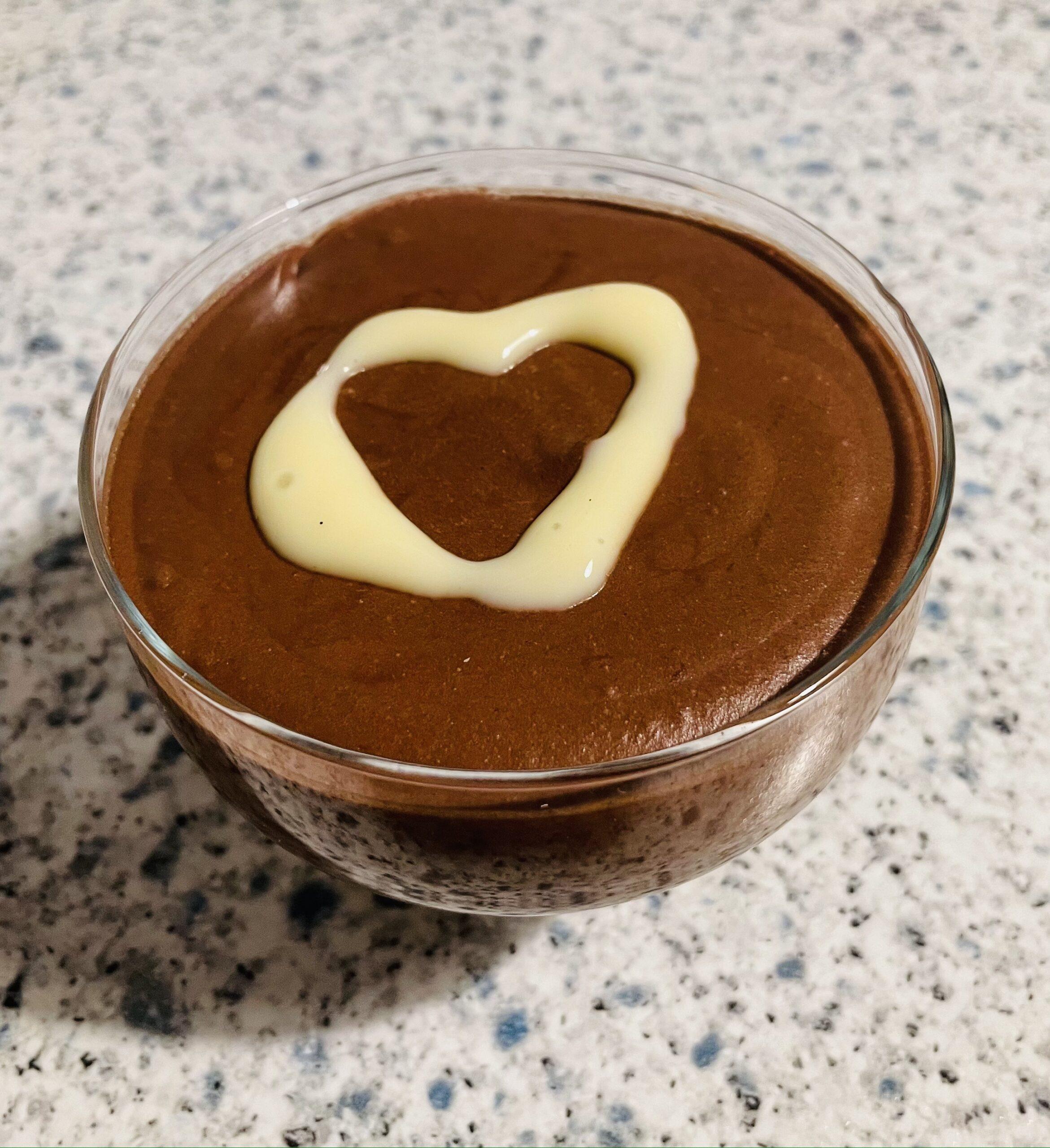 Dunkle Mousse au Chocolat