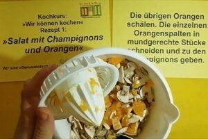"""Wir können kochen! """"Salat mit Champignons und Orangen"""""""